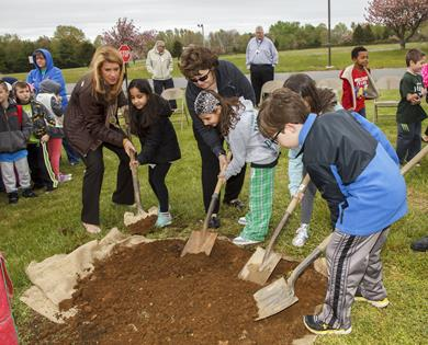 Freeholder DiMaso helps student plant a tree on Arbor Day